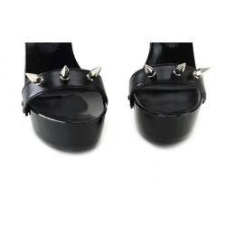 Wyzywające czarne włoskie klapki ćwieki