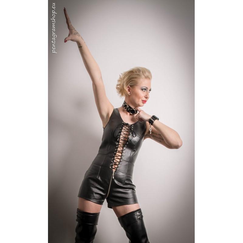 Luxury black leather pumps