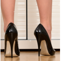 Black lack agressive sandals