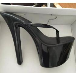 الأحذية الايطالية ، اصبع القدم مفتوحة