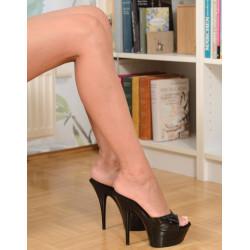 حذاء ملون إيطالي