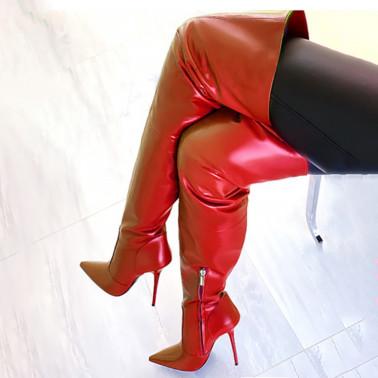 أحذية عالية مع نمط